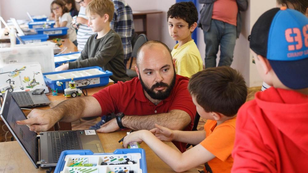 ORT Russia Expands Out of the Classroom